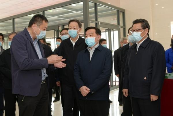 王晨:推动中医药事业发展振兴 在健康中国建设中发挥更大作用